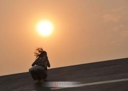 少女和朝阳
