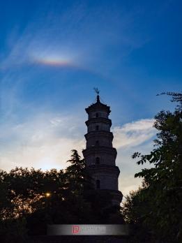 文峰塔欣然披彩虹