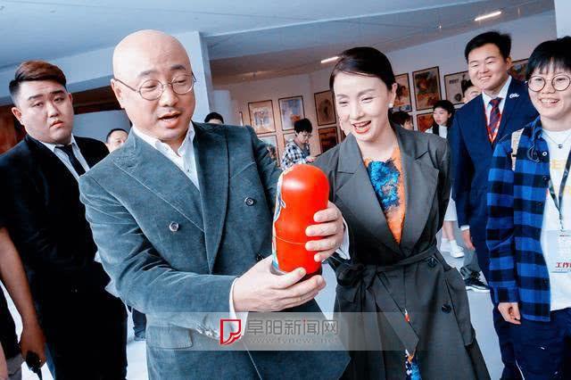 陈思诚发文给《唐探3》卖力做宣传,网友质疑进电影院给配口罩吗 ...