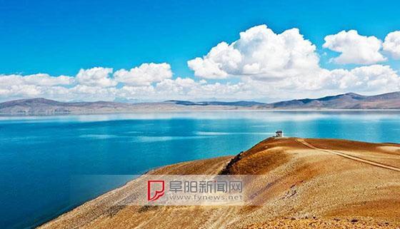 """西藏这个湖叫""""鬼湖"""",岸边寸草不生,没有人知道它的深度 ..."""